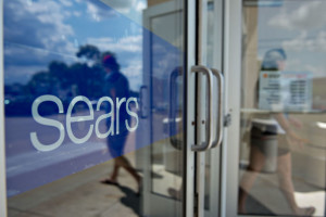 Sears Holdings Corp. formed a joint venture with shopping-mall owner Macerich Co., the latest step in the department-store chain's efforts to wring more money from its real estate. Photographer: Daniel Acker/Bloomberg